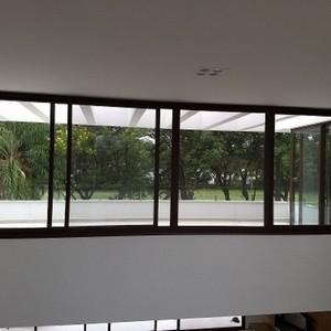 janela de aluminio com vidro preço