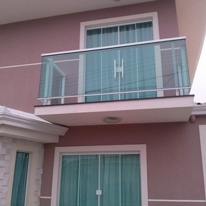 portas e janelas de vidro